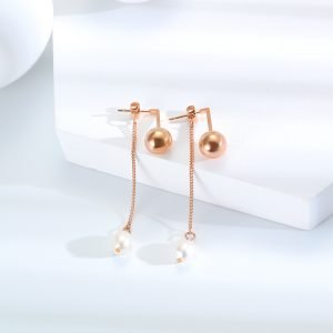 Pearl and sphere ear studs